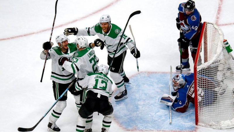 Stars dominate Avalanche in game 2