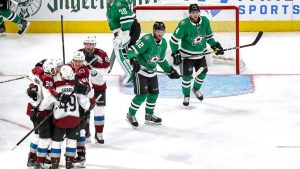 Avalanche dominate Stars again and force game 7